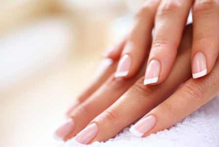 azzaspa - french manicure